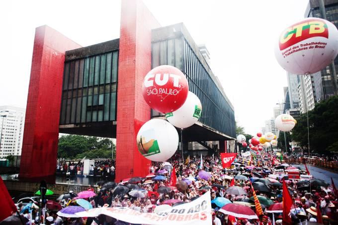 alx_brasil-politica-protestos-sindicais-jefferson-coppola-20150313-004_original.jpeg