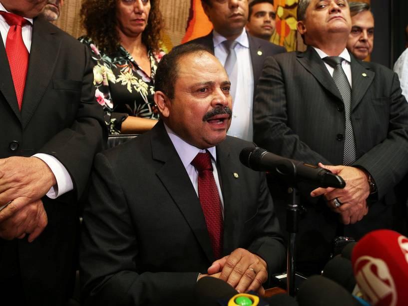 O presidente interino da Câmara dos Deputados, Waldir Maranhão (PP-MA), concede entrevista coletiva em Brasília (DF) - 09/05/2016