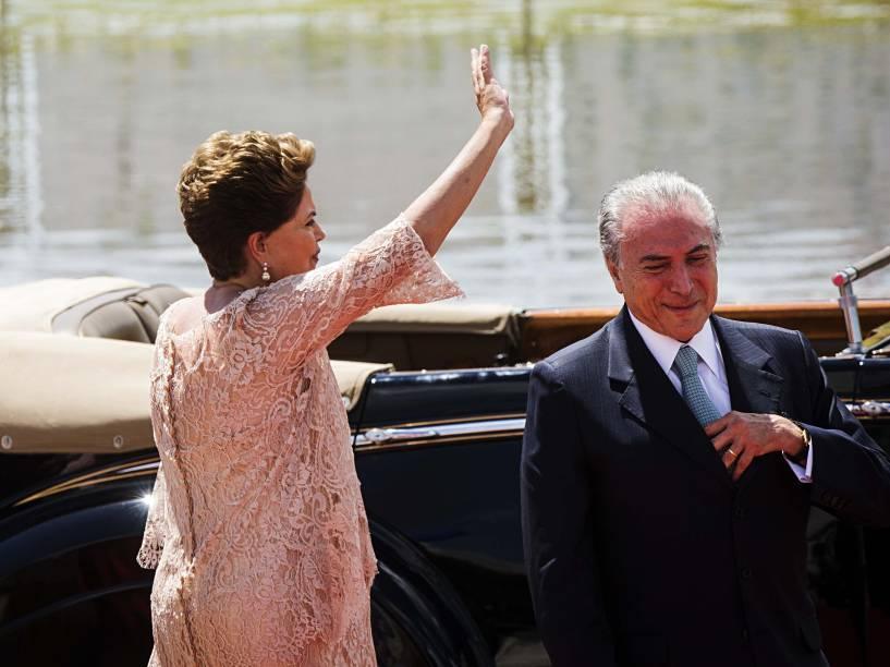Presidente Dilma Rousseff e o vice Michel Temer se dirigem ao Congresso Nacional para cerimônia de posse - 01/01/2015