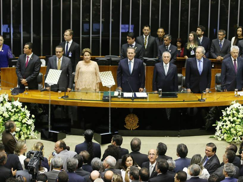 E/D: O presidente da Câmara, Henrique Alves, a presidente da República Dilma Rousseff, o presidente do Congresso, Renan Calheiros, e o vice-presidente da República, Michel Temer, durante a cerimônia de posse do segundo mandato de Dilma - 01/01/2015