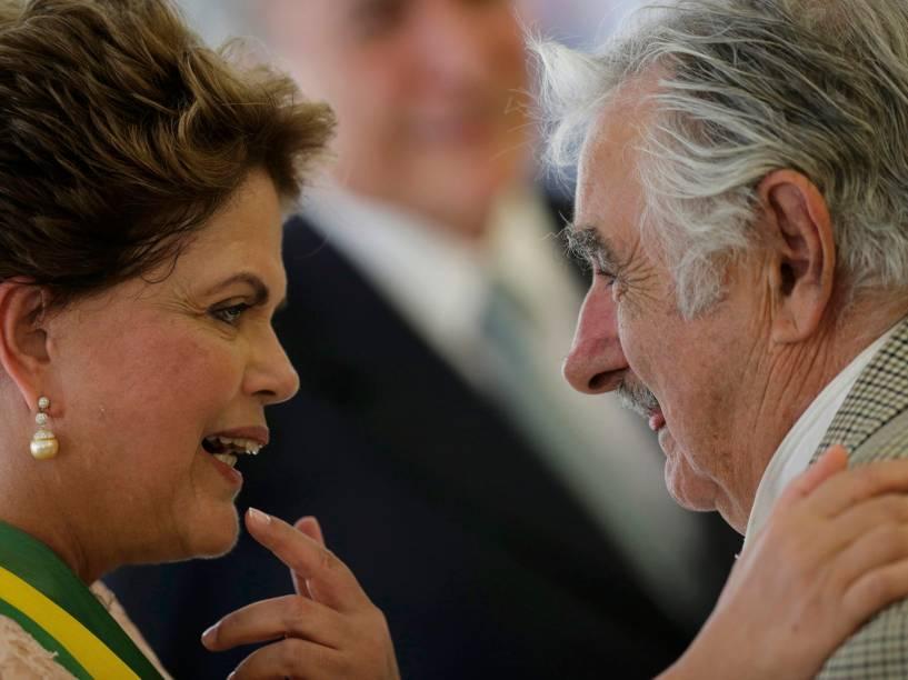 Presidente Dilma recebe os cumprimentos do presidente uruguaio José Pepe Mujica - 01/01/2015