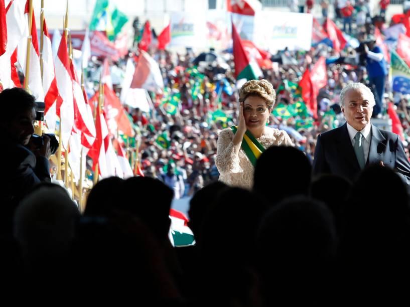 A presidente reeleita Dilma Rousseff, e o vice Michel Temer, durante cerimônia de posse de seu segundo mandato, no Palácio do Planalto - 01/01/2015