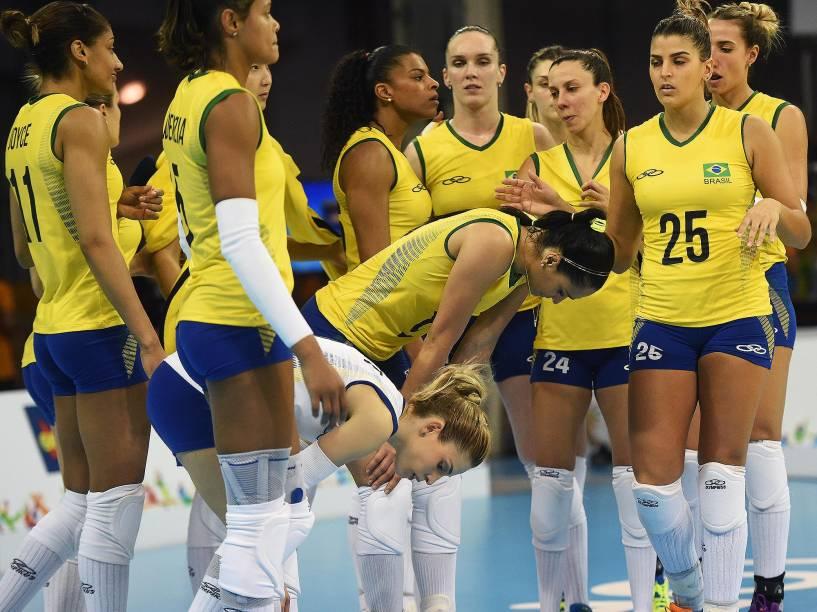 Brasil perde para os EUA e fica com a prata no vôlei feminino do Pan em Toronto