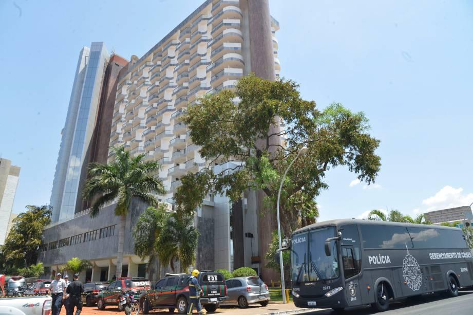 Homem faz refém um mensageiro do Hotel St. Peter, em Brasília