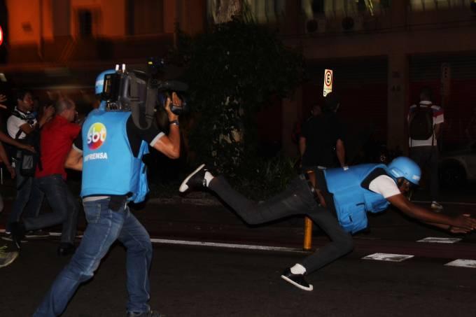 alx_brasil-reporter-agredido-protesto-professores-20150424-002_original.jpeg