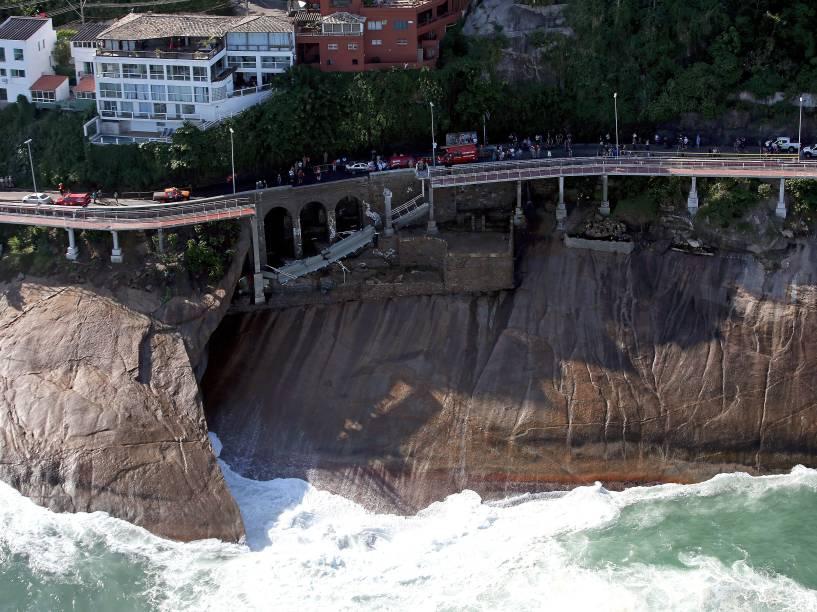 Vista aérea da ciclovia Tim Maia, na Avenida Niemeyer, no Rio de Janeiro (RJ), onde dois ciclistas morreram, após serem atingidos por forte onda - 21/04/2016