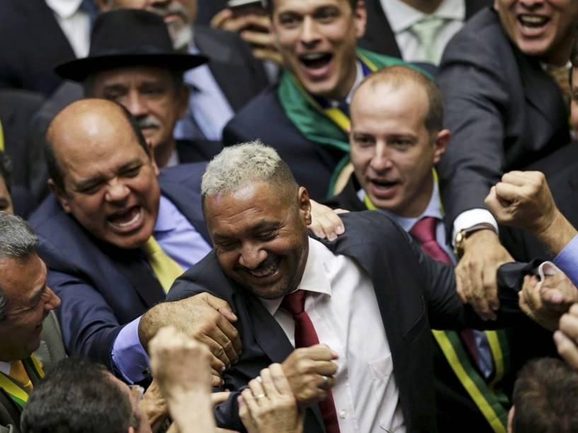 Deputado Tiririca dá seu voto a favor do Impeachment da presidente Dilma Rousseff, em Brasília - 17/04/2016