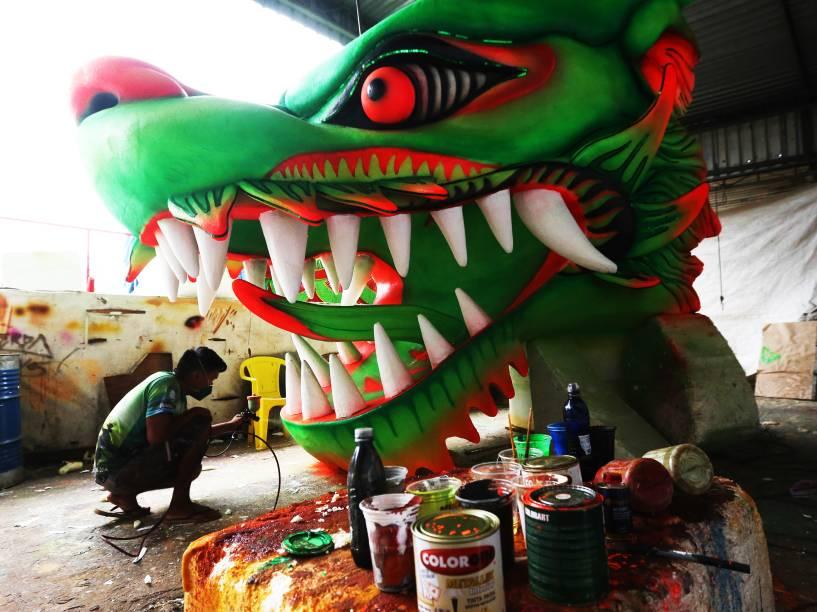 Águia de Ouro faz os últimos ajustes antes do desfile no Carnaval de São Paulo