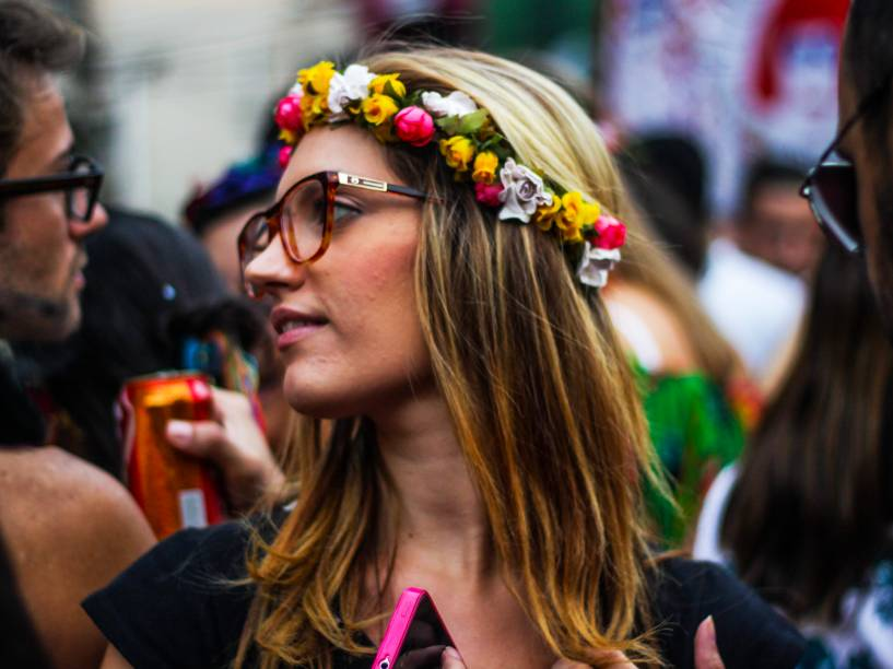 Bloco Ritaleena homenageia a cantora Rita Lee desfilando pelo bairro de Pinheiros, zona Oeste paulistana