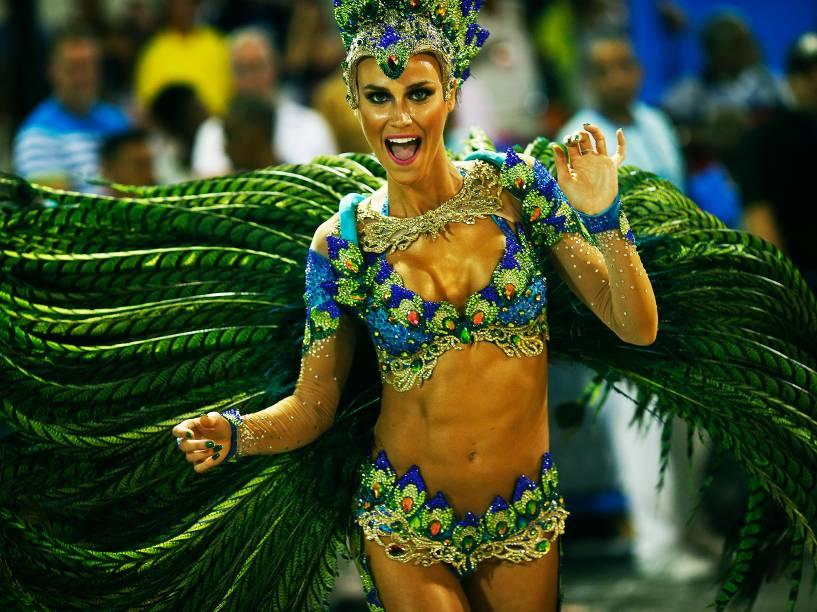A modelo Renata Kuerten, musa da Acadêmicos do Grande Rio
