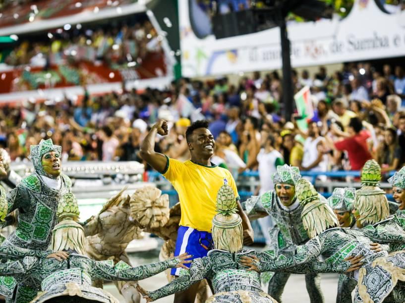 Comissão de Frente da Acadêmicos do Grande Rio durante primeiro dia de desfiles do grupo especial do Carnaval carioca