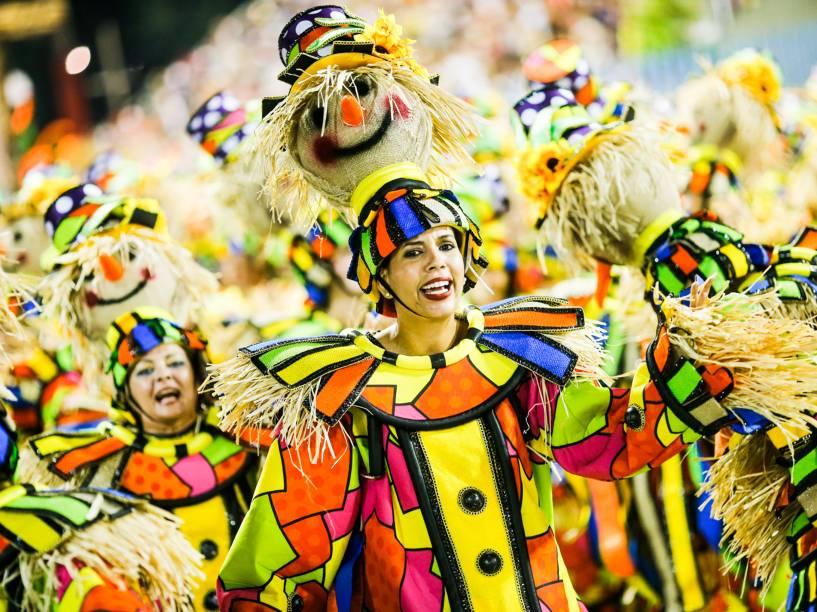 Unidos da Tijuca fecha a primeira noite do grupo especial do Carnaval carioca com samba-enredo que conta a história da cidade de Sorriso, no Mato Grosso