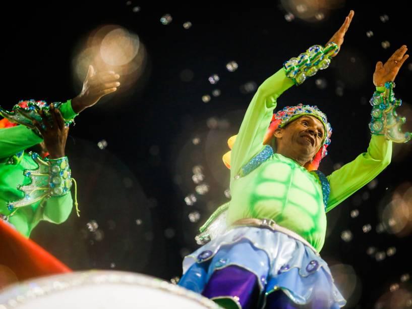 """União da Ilha desfila com o samba-enredo """"Olímpico por natureza... Todo mundo se encontra no Rio"""""""