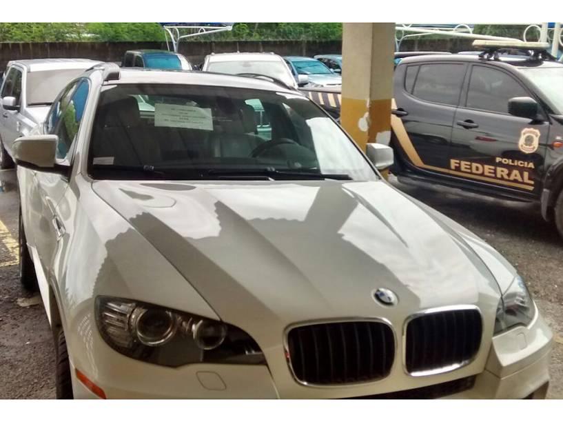 Carros apreendidos pela Polícia Federal