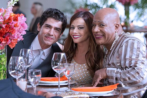 Vicente (Rafael Cardoso) e Cristina (Leandra Leal) se casam em Império