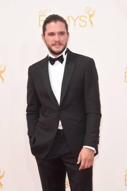 O ator Kit Harington da série Game of Thrones chega para a premiação do 66º Emmy, em Los Angeles