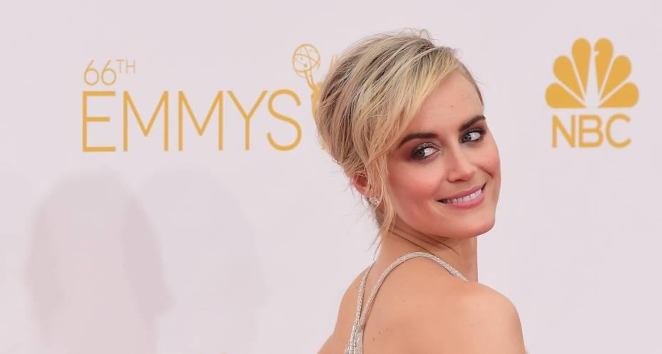 A atriz Taylor Schilling chega para o 66º Emmy, em Los Angeles