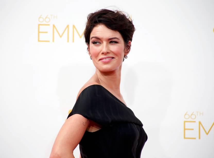 A atriz Lena Headey da série Game of Thrones chega para o 66º Emmy, em Los Angeles