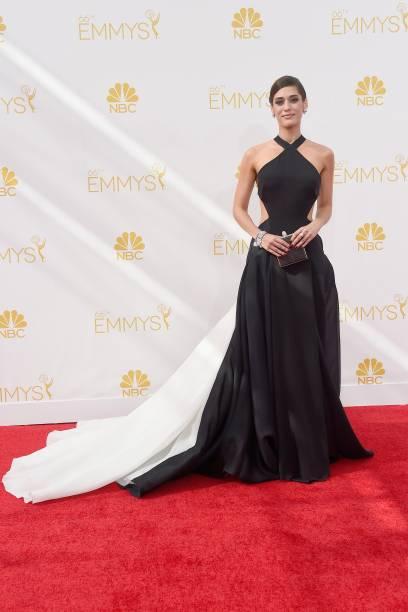 A atriz Lizzy Caplan da série The Masters of Sex chega ao 66º Emmy, em Los Angeles