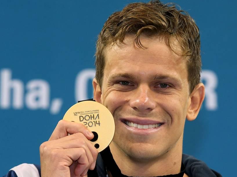 César Cielo se sagrou bicampeão mundial em piscina curta nos 100 metros livres, com vitória em prova disputada neste domingo (07), em Doha, no Catar