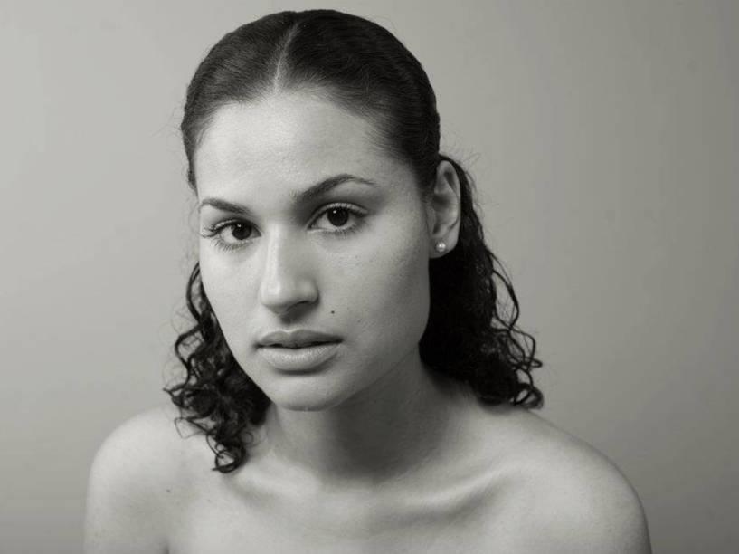 Atualmente, ela é professora de francês e mora no Rio de Janeiro