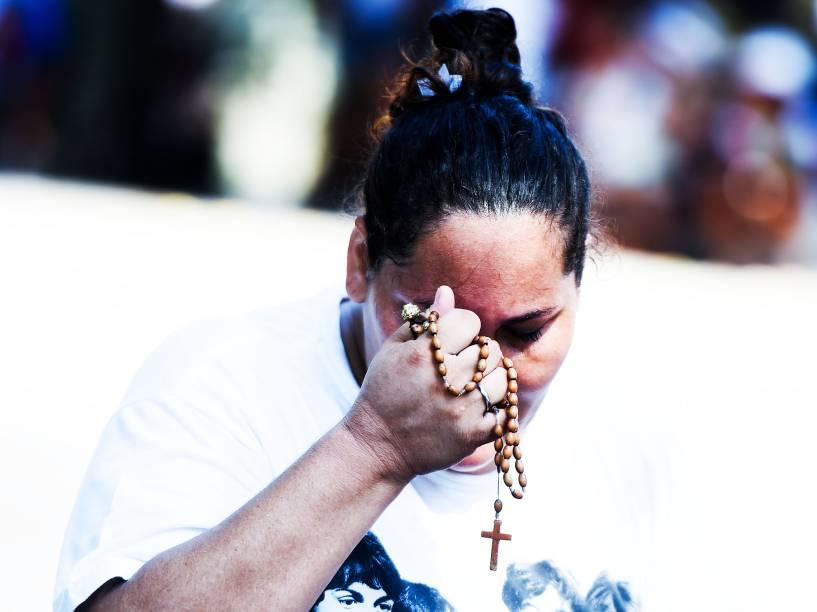 Devotos fazem homenagens e orações durante as celebrações do Círio de Nazaré, em Belém