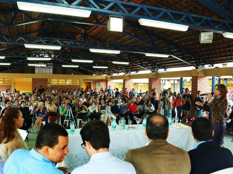 A secretária da Educação do governo de Goiás, Raquel Teixeira durante cerimônia de inauguração da Escola Estadual Roberto Civita. em Goiânia