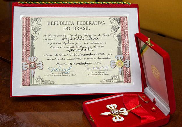 A comenda da Ordem do Mérito Cultural recebida pelo dramaturgo Aguinaldo Silva