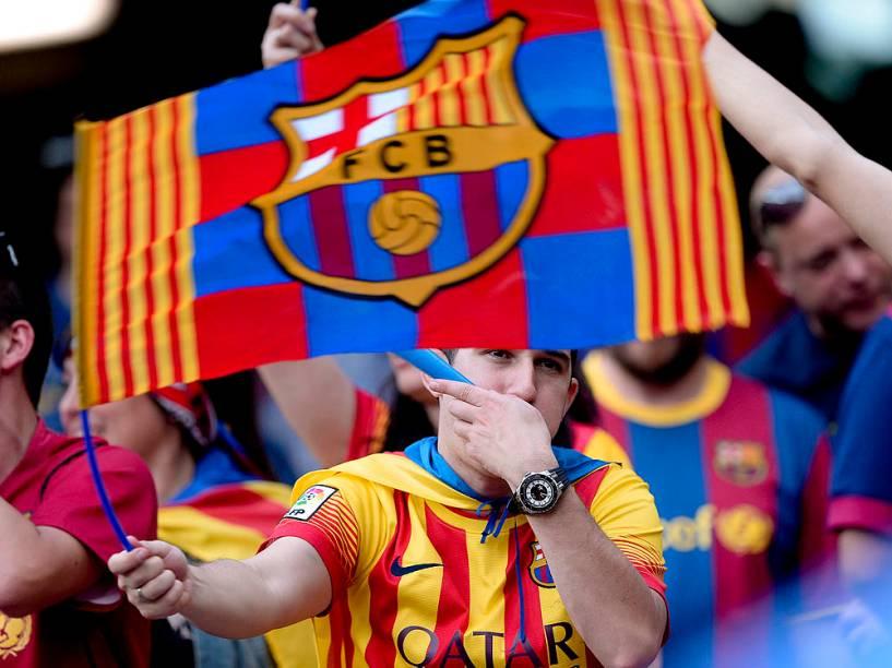 Torcedores antes da partida entre Athletic Bilbao e Barcelona na final da Copa do Rei da Espanha