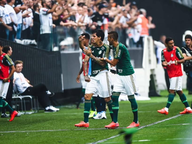 Victor Ramos do Palmeiras comemora gol na partida contra o Corinthians, válida pela semifinal do Campeonato Paulista de 2015