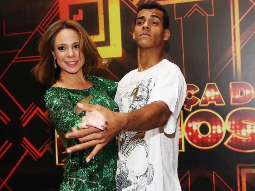 O finalista Marcello Melo Jr. ao lado de Vanessa Gerbelli nos bastidores da Dança dos Famosos