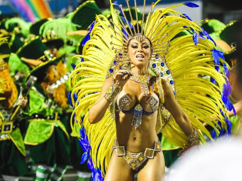 Carol Narizinho, princesa de bateria da Acadêmicos do Tatuapé