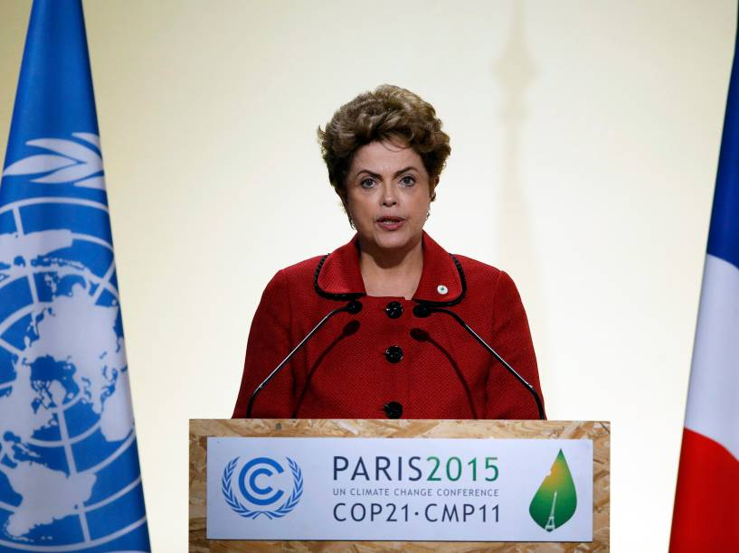 A presidente do Brasil, Dilma Rousseff, durante o primeiro dia da Conferência do Clima de Paris (COP21)