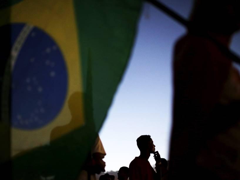 Integrantes do MST (Movimento dos Trabalhadores Rurais Sem Terra), pró-governo da presidente Dilma Rousseff, realizam ato em Brasília (DF)
