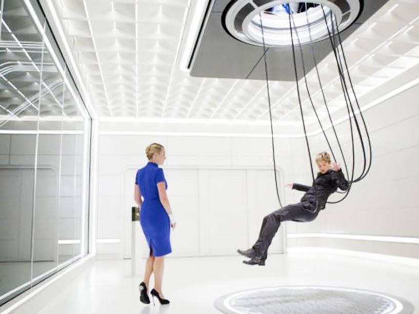 As atrizes Kate Winslet e Shailene Woodley em cena do filme Insurgente