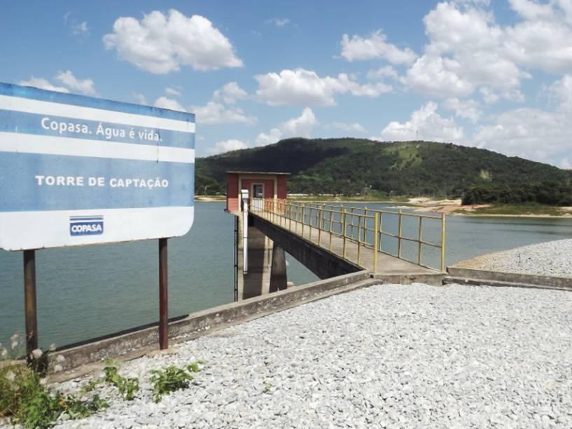 O reservatório na região do Várzea das Flores, em Betim, na Grande BH - foto de 13/01/2015