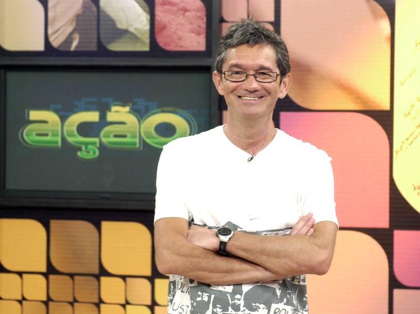 Serginho Groisman apresentando o programa Ação da Globo