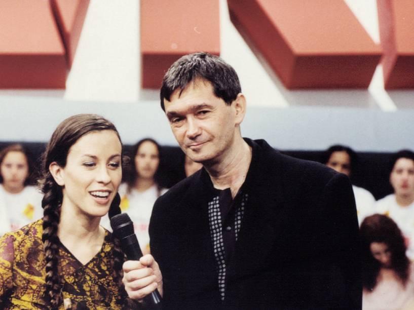 Serginho Groisman entrevista Alanis Morissette, no Programa Livre do SBT, em 1991