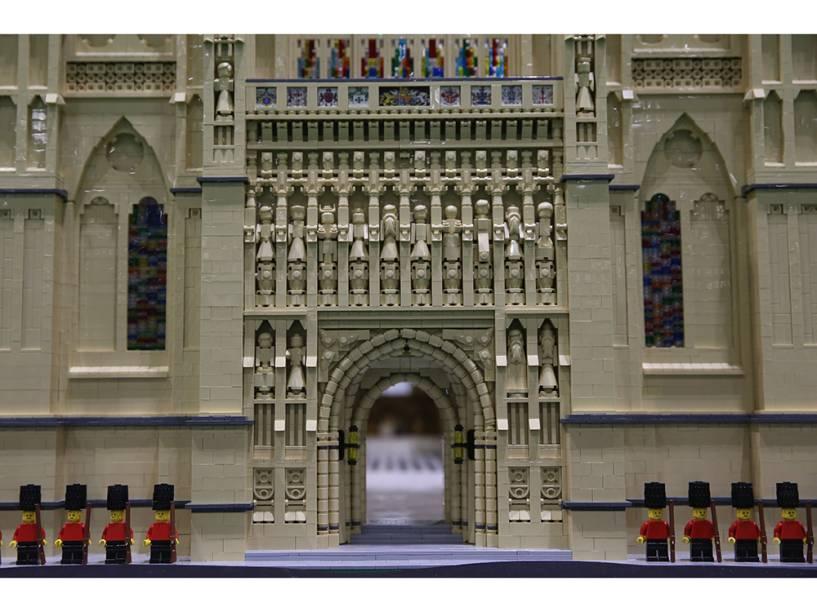 Peça de Lego imitando a Abadia de Westminster é exibida durante a Brick 2014, em Londres, na Inglaterra