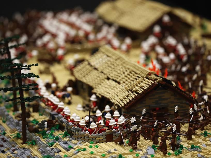 Batalha construída por Legos imitando a Drift Rorke é exibida durante a Brick 2014, em Londres, na Inglaterra.O evento de quatro dias mostra as melhores criações e corridas de Lego do mundo