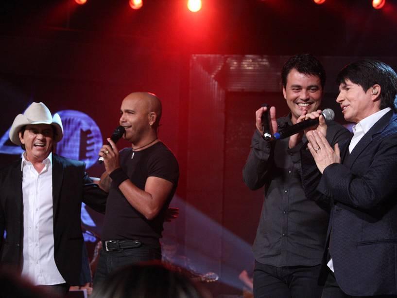 Chitãozinho, Rick, Renner e Xororó no show em comemoração aos 40 anos de carreira da dupla sertaneja Chitãozinho e Xororó, em que foi gravado o DVD Entre Amigos, na Via Funchal - 2010