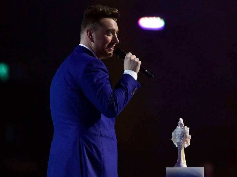 Sam Smith recebe Prêmio de Sucesso Global durante o Brit Awards 2015