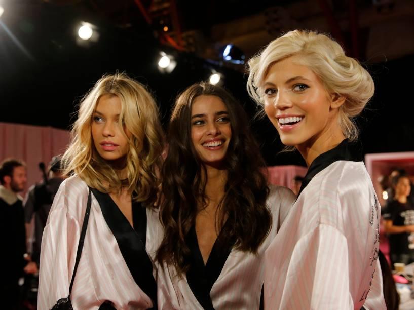 Modelos no camarim da marca Victorias Secret
