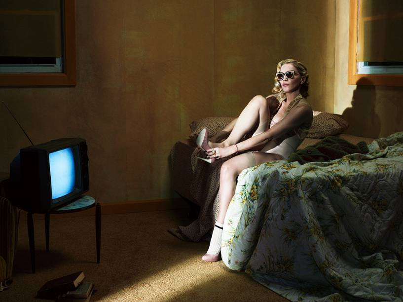 Madonna faz ensaio sensual para a revista Interview