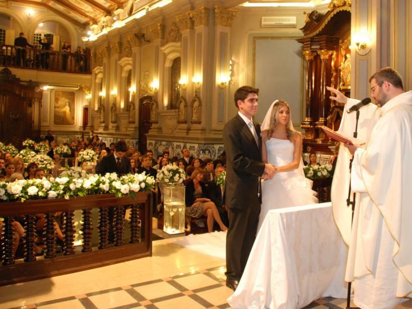 Casamento de Dani Calabresa e Marcelo Adnet, na capela da PUC, em São Paulo - Maio de 2010