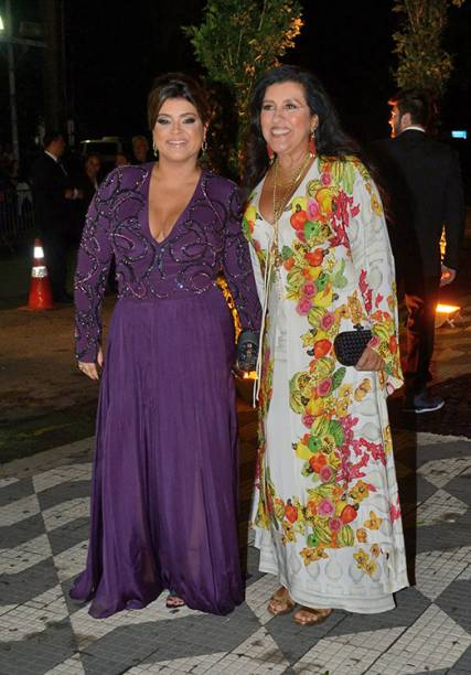 Preta Gil e Regina Cazé prestigiam o casamento de Thiaguinho e Fernanda Souza, na Casa Fasano, zona Oeste de São Paulo