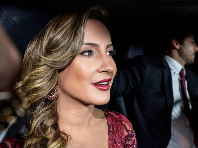 Cláudia Leitte chega ao casamento de Thiaguinho e Fernanda Souza, no bairro de Jardins (SP)