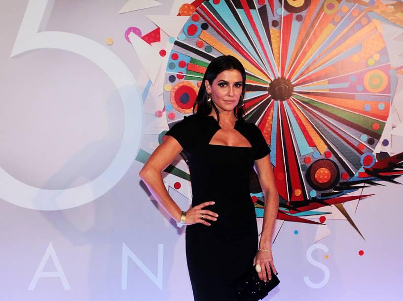 Deborah Secco na festa de 50 anos da Rede Globo