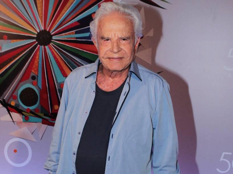 Cid Moreira na festa de 50 anos da Rede Globo