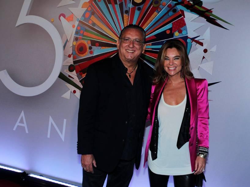 Galvão Bueno e sua esposa Desirée Soares na festa de 50 anos da Rede Globo